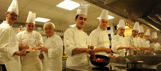 Menu Grenouilles Hostellerie Les Rupts Gérardmer, la brigade cuisine