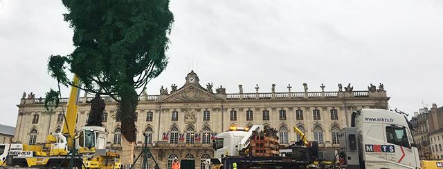Installation Sapin Noël Place Stanislas Nancy 2019