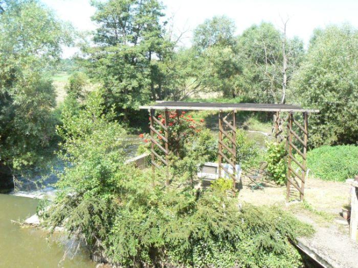 Moulin de Landonvillers vue de la table en extérieur