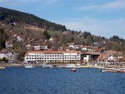 Lac Hôtel et Restaurant bleu marine